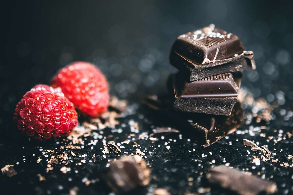 dark chocolate is a good healthy fat for healthy living