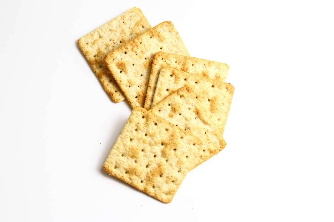 cheese%20and%20crackers%20for%20a%20good%20late%20night%20snack.jpg