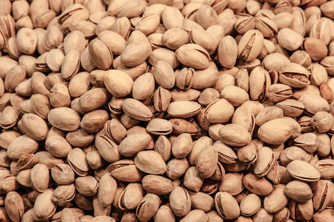 pistachios%20make%20a%20good%20late%20night%20snack.jpg